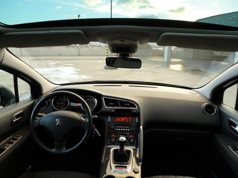 Przeglądasz: Peugeot 3008 1.6 HDI 2010 r. czarny