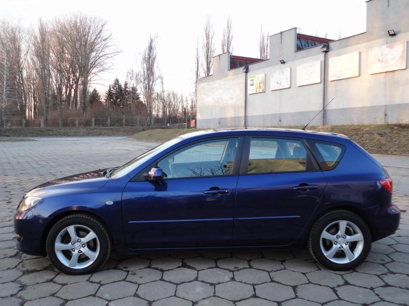 Przeglądasz: Mazda 3 1.6 16V 2004 r. granatowa