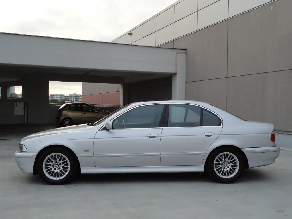 Przeglądasz: BMW 540i V8 M-Pakiet 2001 r.