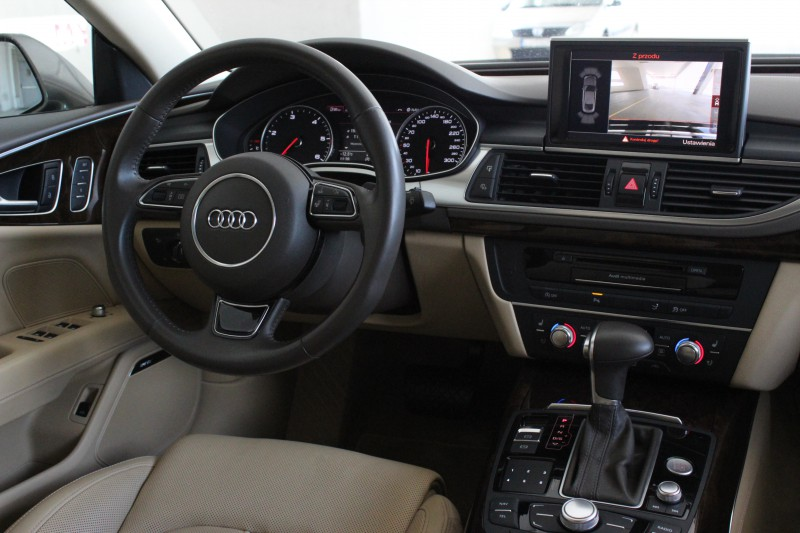 Przeglądasz: Audi A7 3.0 TDI 2012 r.