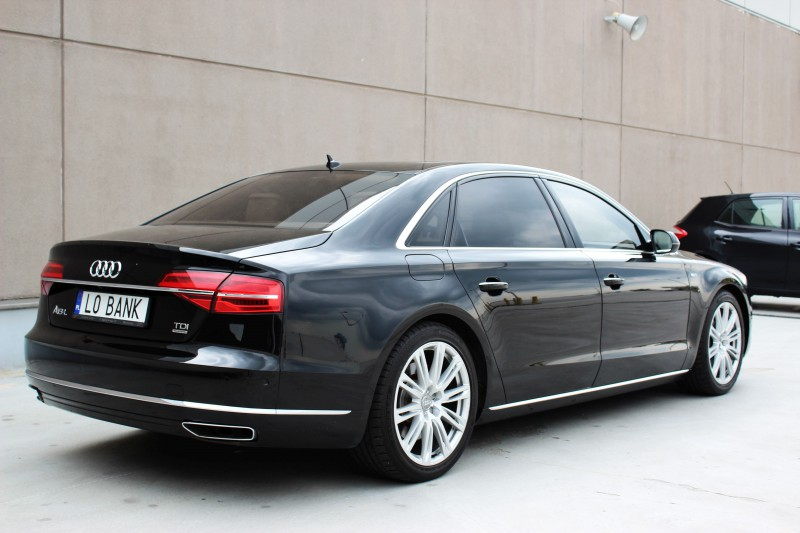Przeglądasz: Audi A8 Long 4.2 TDI 2014 r. 23% VAT