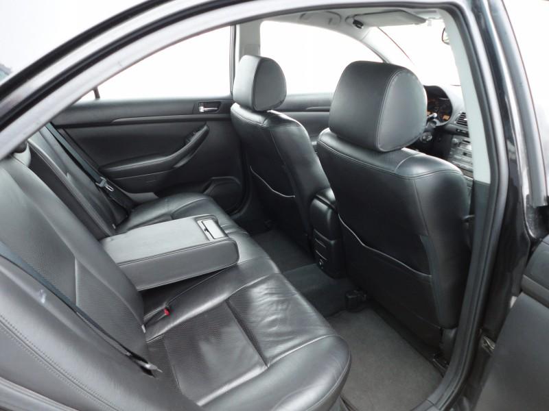 Przeglądasz: Toyota Avensis 2.0 VVTi  2003 r.