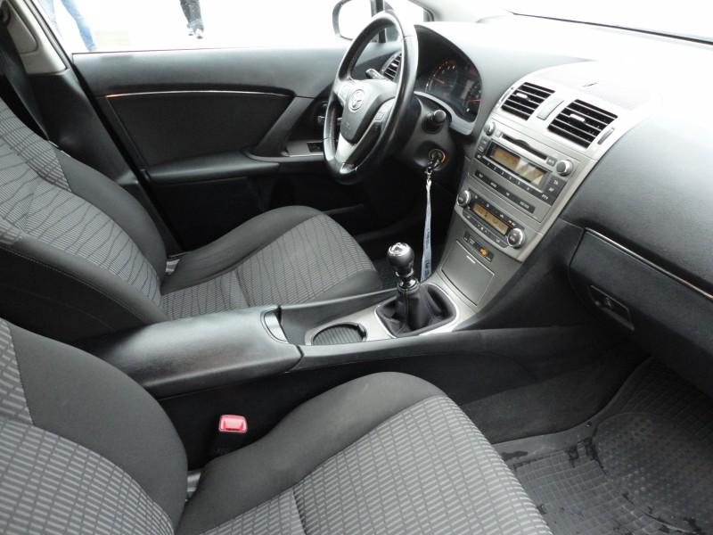 Przeglądasz: Toyota Avensis 1.8 16V  2010 r.