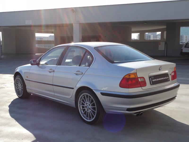 Przeglądasz: BMW E46 330xi 2000r.