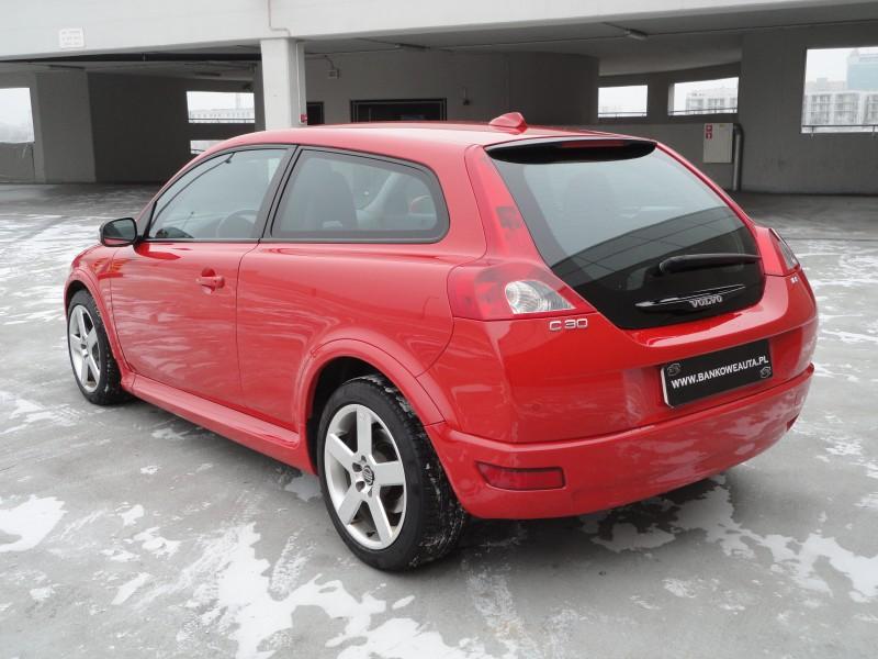 Przeglądasz: Volvo C30 1.8F R-design 2007 r.