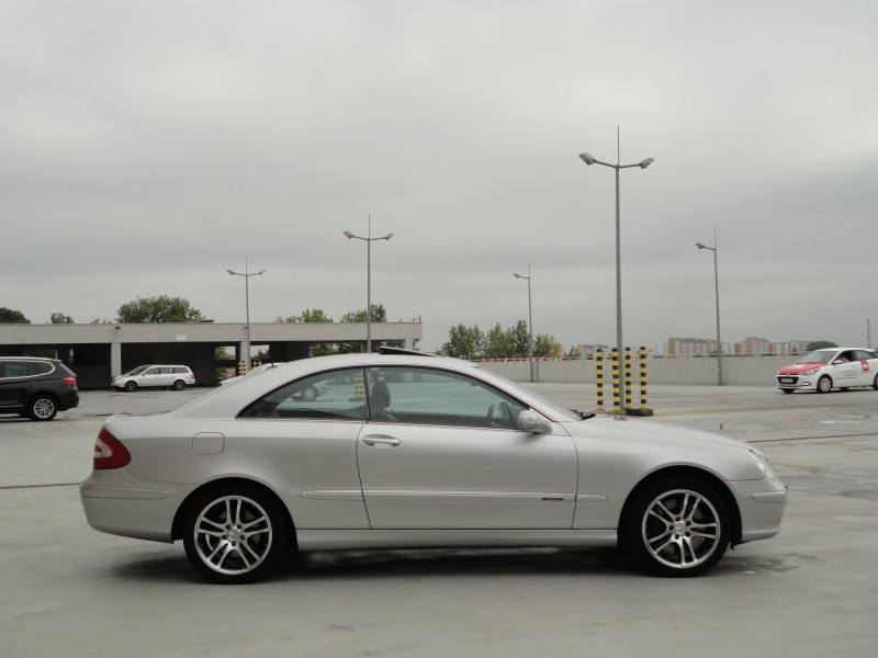 Przeglądasz: Mercedes CLK500 2002 r.