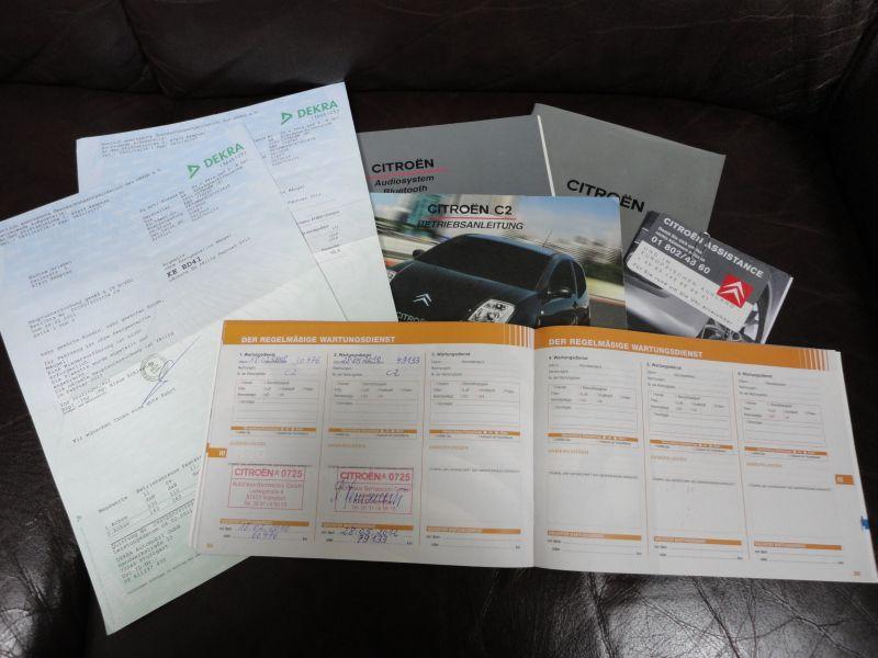 Przeglądasz: Citroen C2 2006 r.