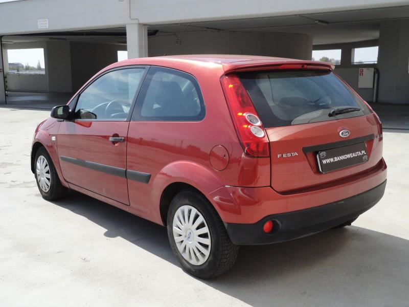 Przeglądasz: Ford Fiesta 2007
