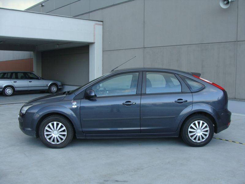 Przeglądasz: Ford Focus 1.6 2006 r.