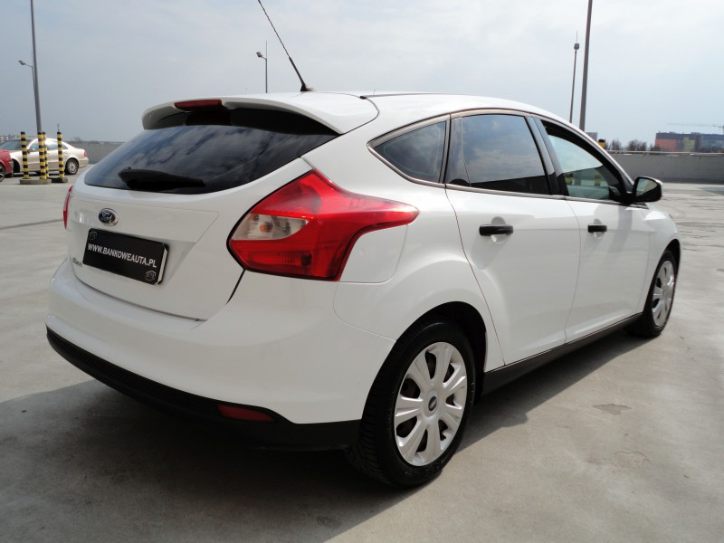 Przeglądasz: Ford Focus SilverX 1.6TDCi  2013 r. VAT 23%