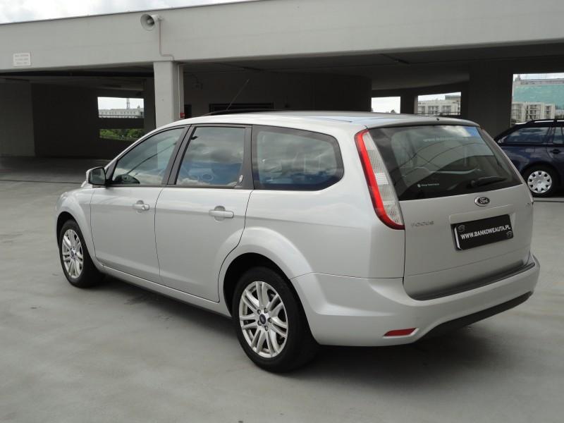 Przeglądasz: Ford Focus GHIA 1.8TDCi  2010 r. VAT 23%