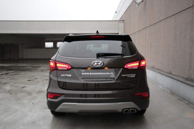 Przeglądasz: Hyundai Santa Fe 2016 r. VAT 23%