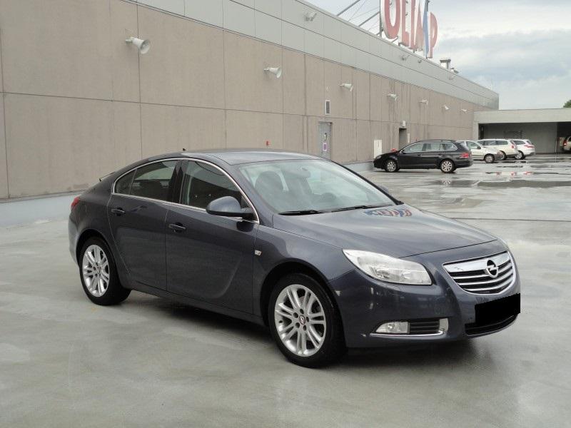 Przeglądasz: Opel Insignia 2.0 TURBO 2009 r.