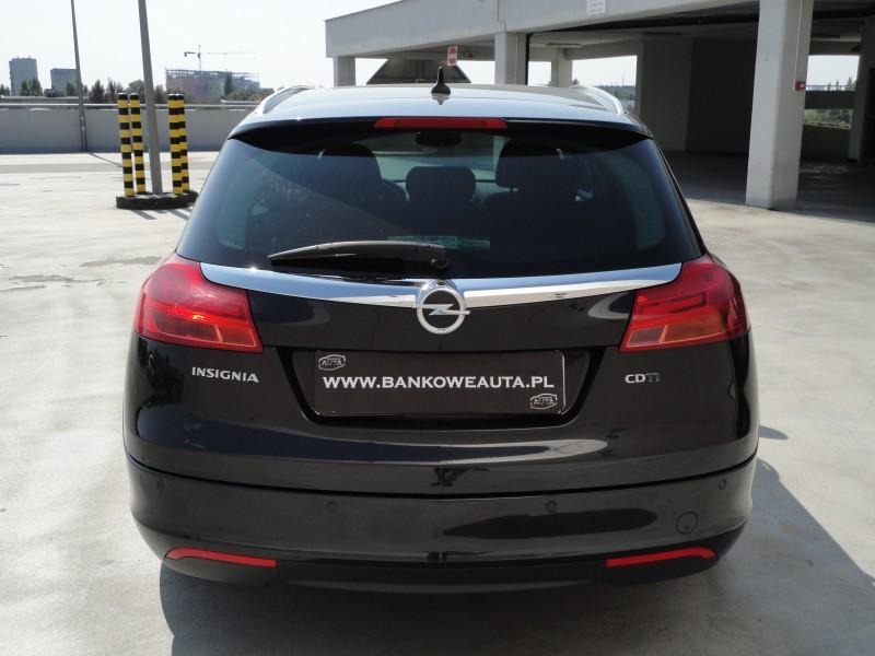 Przeglądasz: Opel Insignia 2.0 160KM COSMO 2011r. 2