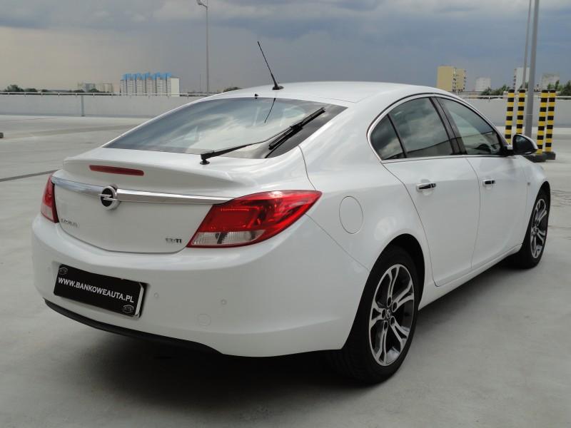 Przeglądasz: Opel Insignia COSMO 2.0 CDTI 2012 r. VAT 23%