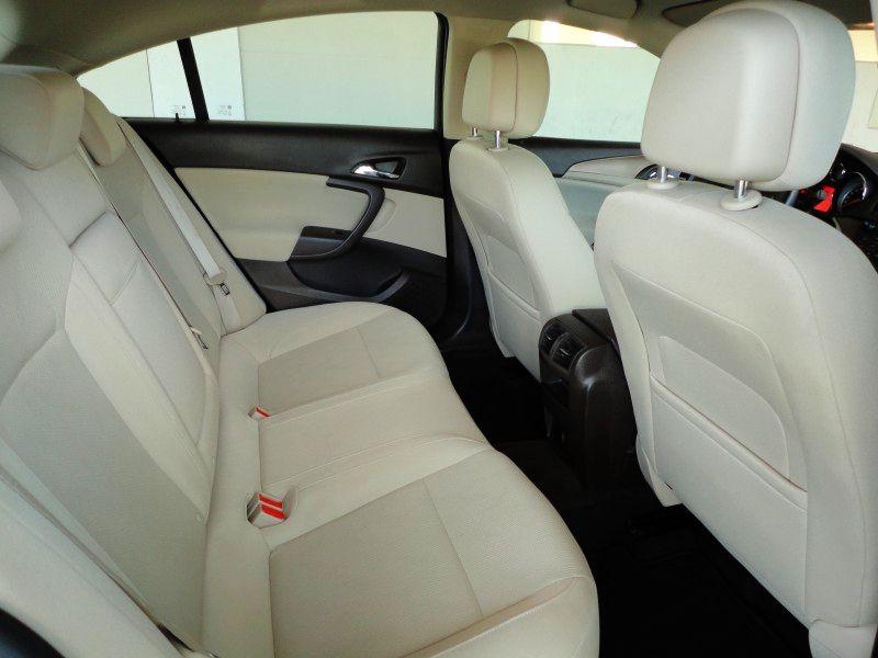 Przeglądasz: Opel Insignia 2.0 CDTi 2012 r. VAT 23%