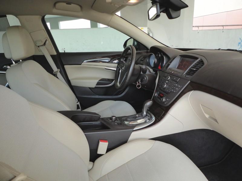 Przeglądasz: Opel Insignia 2.0 160KM COSMO 2010r.