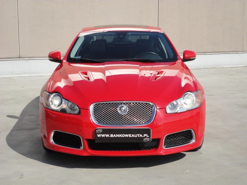 Przeglądasz: Jaguar XF-R SuperCharged 2010 r.