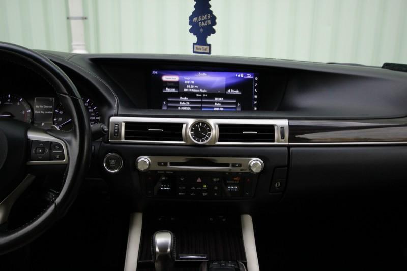 Przeglądasz: Lexus GS 200T 2017 r. VAT 23%