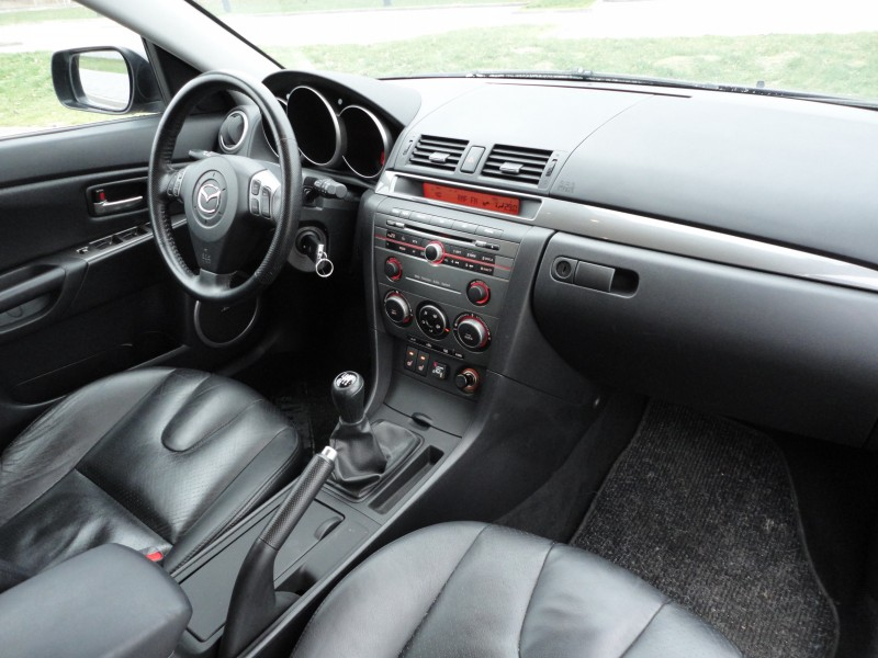 Przeglądasz: Mazda 3 2.0 16V 2006 r.