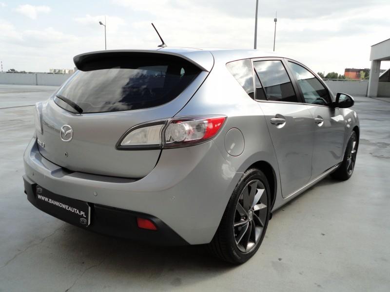 Przeglądasz: Mazda 3  1.6 2010 r. grafitowa
