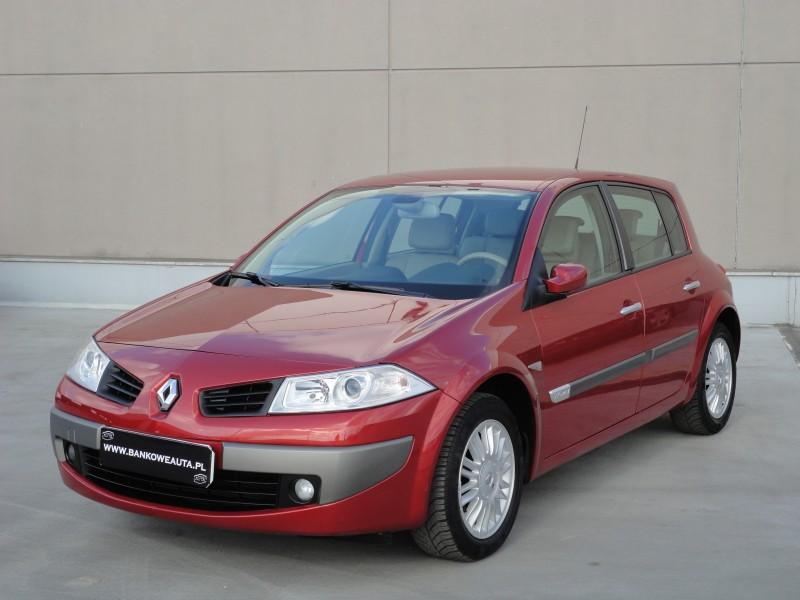 Przeglądasz: Renault Megane 2.0 LUX PRIVILEGE 2006 r.