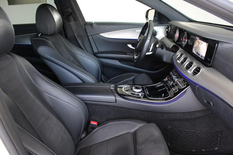 Przeglądasz: Mercedes E220 AMG 2016 r