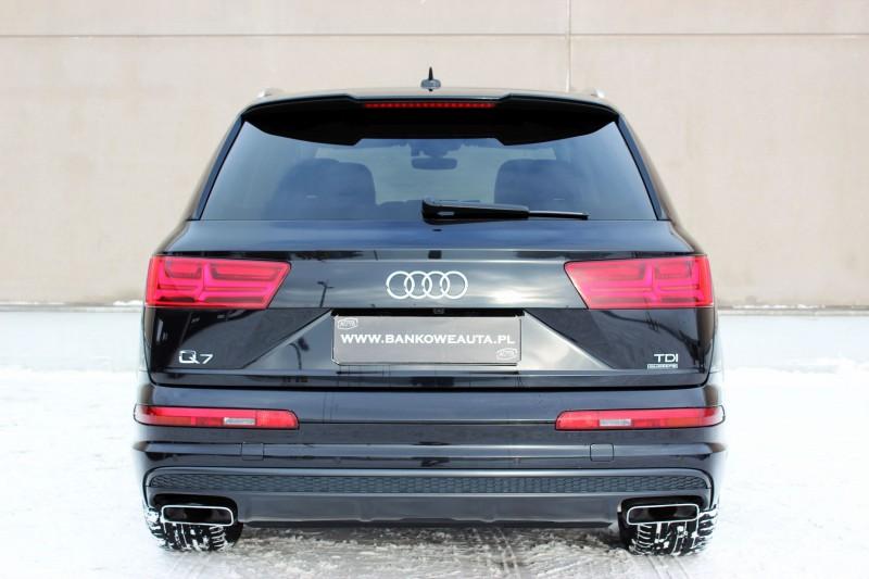 Przeglądasz: Audi Q7 3.0TDI S-Line 2016 r. 23% VAT