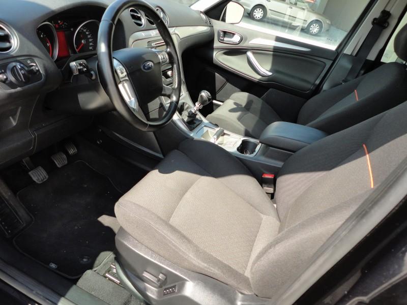 Przeglądasz: Ford S-Max 2.0d TITANIUM 2007 r.