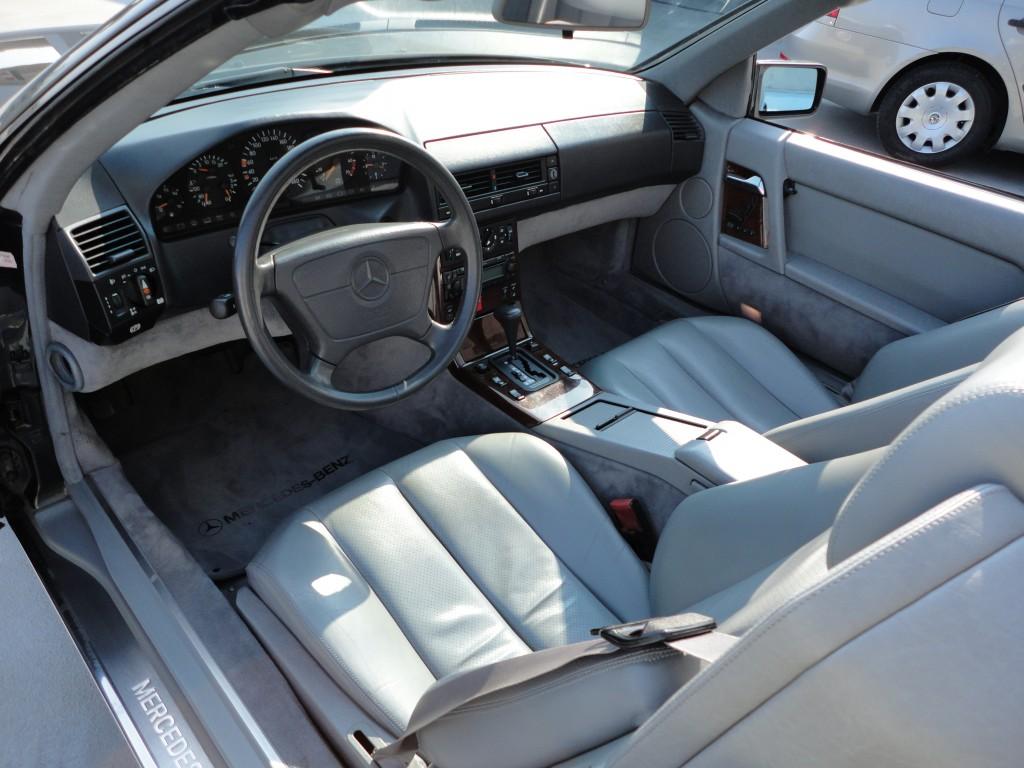 Przeglądasz: Mercedes SL500 1992 r.