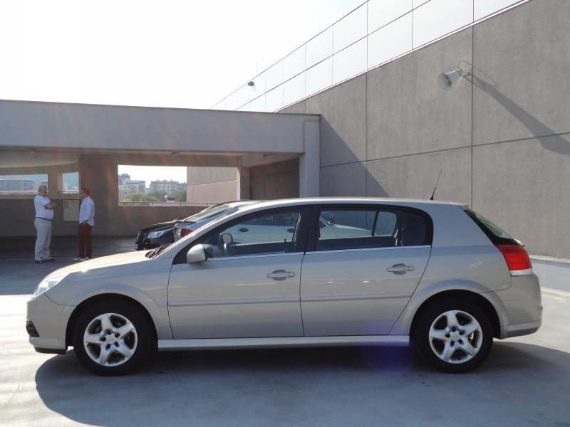Przeglądasz: Opel Signum 1.9 CDTi  2007 r.