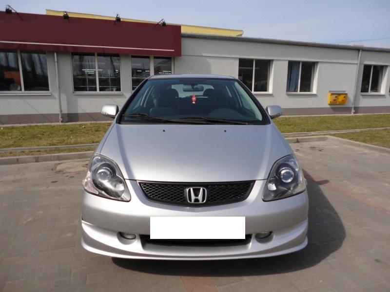 Przeglądasz: Honda Civic Sport Vtec 2004 r. srebrna 3