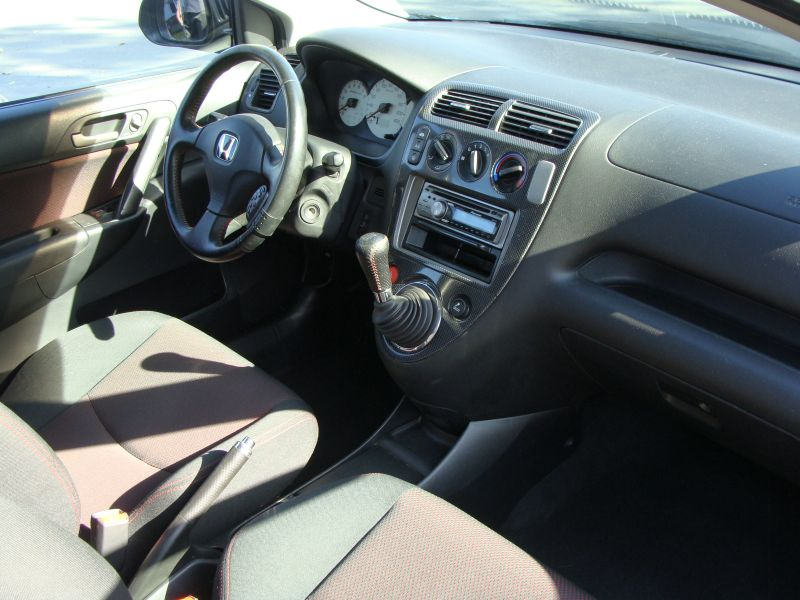 Przeglądasz: Honda Civic Sport 2004 r. czarna 5