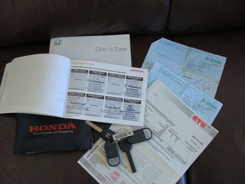 Przeglądasz: Honda Civic Sport 2005 r. czarna 4