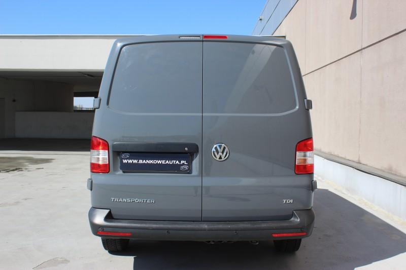 Przeglądasz: Volkswagen T5  6 osobowy 2014 r. VAT 23%
