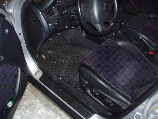 Przeglądasz: Honda Civic Vti Aerodeck 1998 r. srebrna