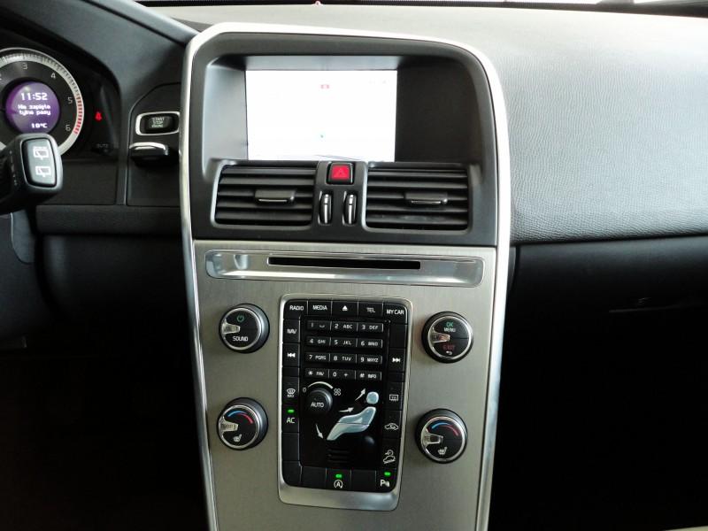 Przeglądasz: Volvo XC60 D5 AWD MOMENTUM  2012 r. VAT 23%