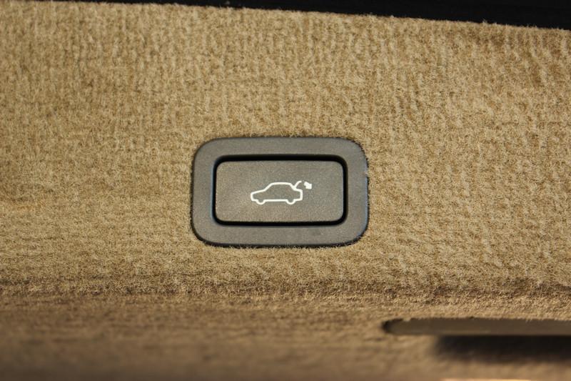 Przeglądasz: Volvo XC60 D5 4x4 SUMMUM 2011 r. 23% VAT