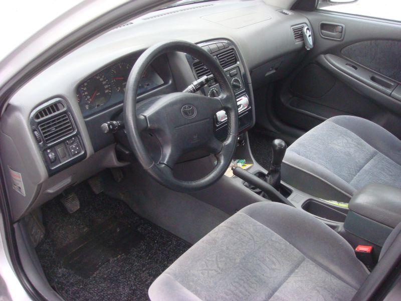 Przeglądasz: Toyota Avensis 2,0 TD 1999 r.