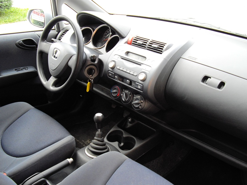 Przeglądasz: Honda Jazz 1.4   2003 r.