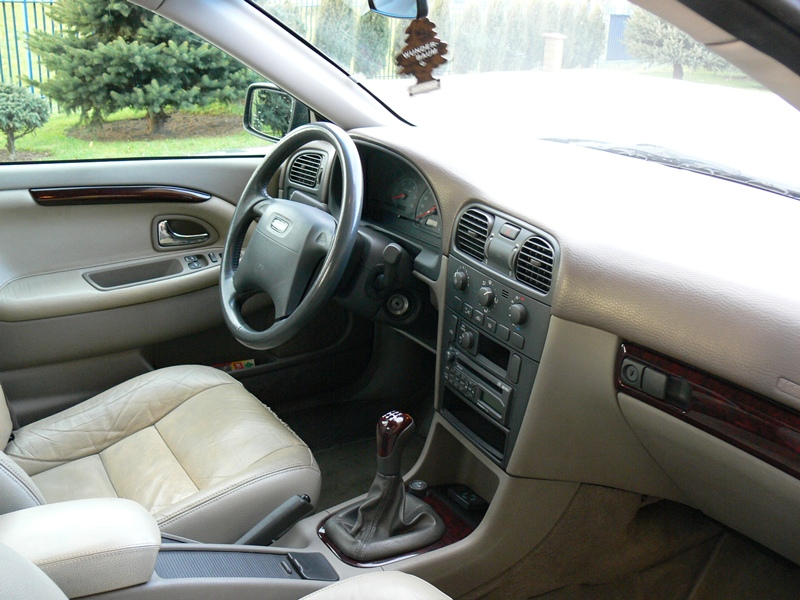 Przeglądasz: Volvo S40 1.9 TD 2001 r.