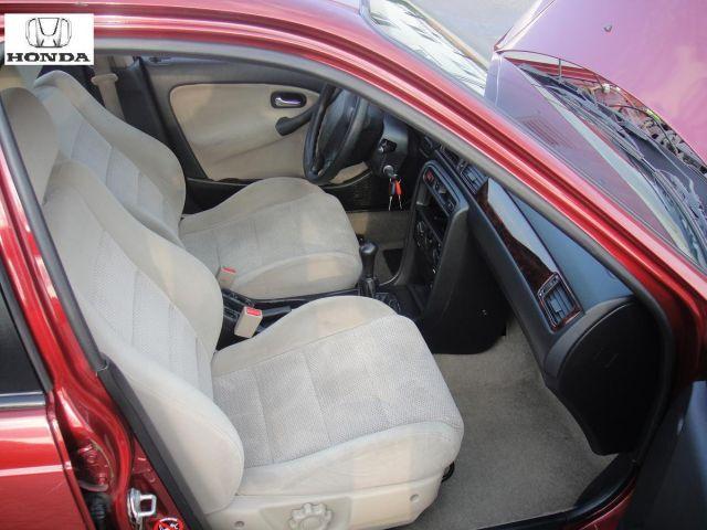 Przeglądasz: Honda Civic Vtec 2000 r. wiśniowa