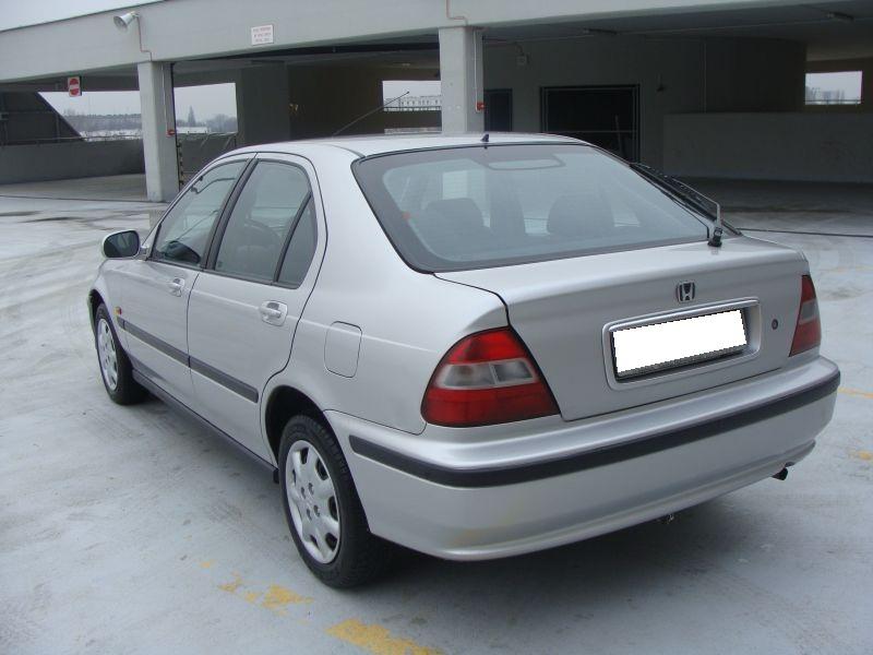 Przeglądasz: Honda Civic Vtec srebrna 2000 r. 3