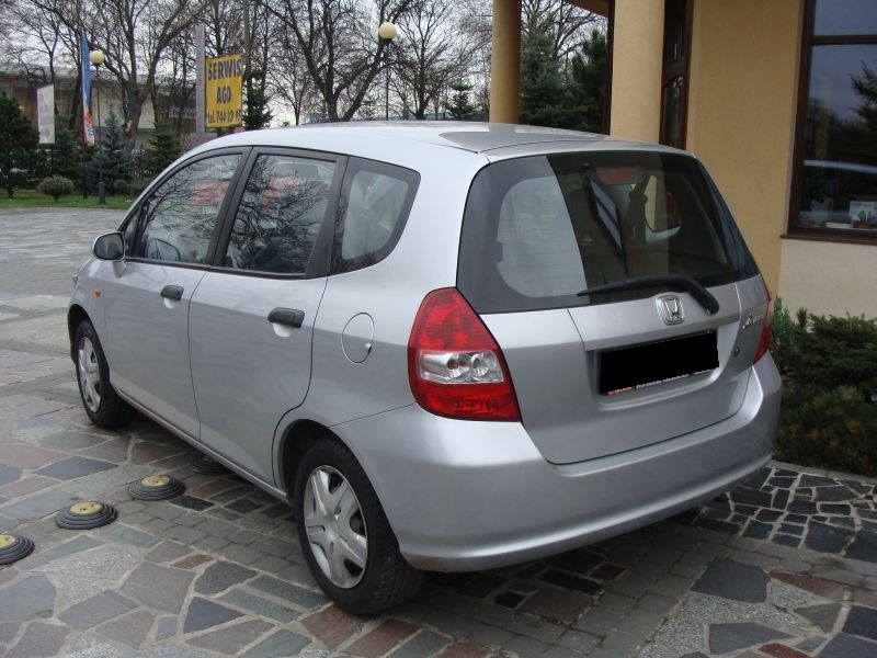 Przeglądasz: Honda Jazz 1.4 2004 r.