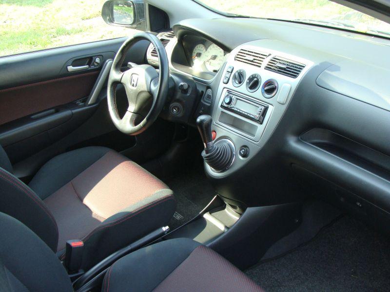 Przeglądasz: Honda Civic Sport 1.6 Vtec 2005 r. czarna