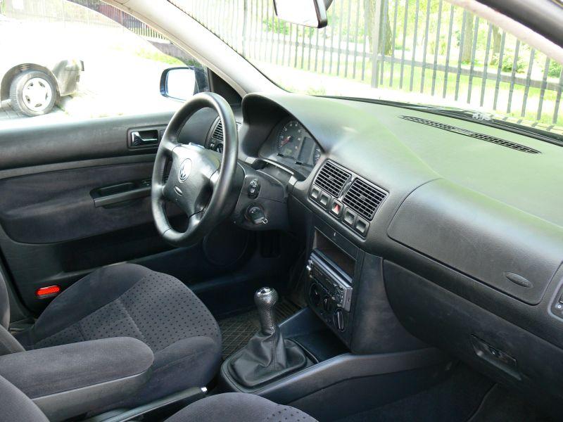 Przeglądasz: Volkswagen Golf IV 1.6  1998 r.